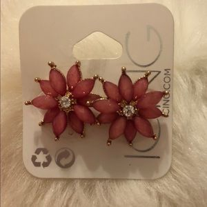 Icing Jewelry - ICING Crystal Flower Stud Earrings